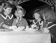 03/08/1960<br /> 08/03/1960<br /> 03 August 1960<br /> R.D.S Horse Show Dublin (Wednesday). Members of the Kidney family obviously enjoying their samples of cheese at the Horse Show were (l-r): Barbara (9), Peter (4), Maria (7) and Anna (6).