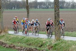 03-04-2006 WIELRENNEN: COURSE DOTTIGNIES: BELGIE<br /> Tussengroep - wielrenitem<br /> ©2006-WWW.FOTOHOOGENDOORN.NL