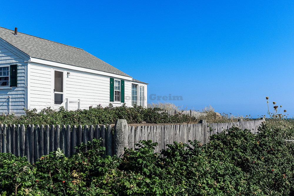 Small waterfront cottage, Yarmouth, Cape Cod, Massachusetts, USA.