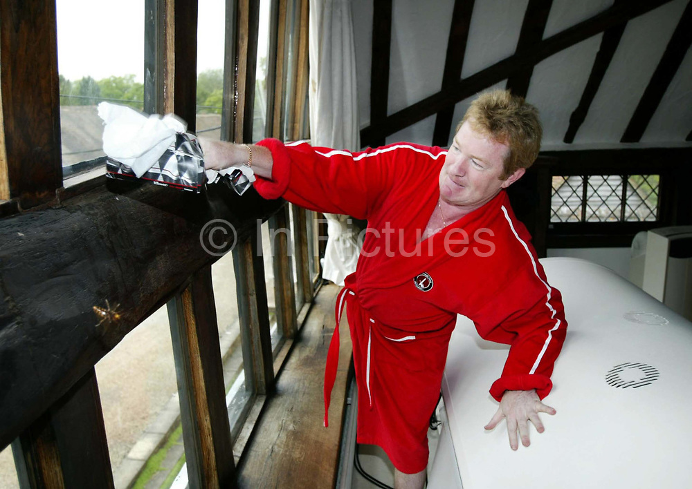 At home with controversial British comedian Jim Davidson at his Surrey mansion. After huge success in the 1970's and 1980's, Davidson's fame and popularity have dwindled due to his stand up act proving too much for many audiences. Davidson has been known to make offensive jokes about ethnic minorities, homosexuals and disabled people in his stand-up act, which has made him a subject of negative media coverage and frequent criticism.