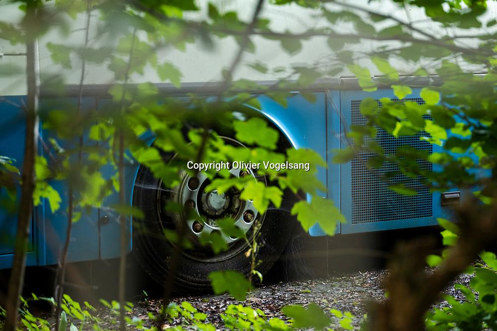 Moudon, août 2019. Prises de vues des hangars de RétroBus à Moudon. Une association moudonnoise cumule les vieux bus.  © Olivier Vogelsang