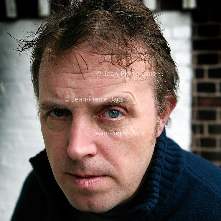 "Nederland. amsterdam.2 december 2003..Pop[zanger Bob Fosko van ""de Raggende Mannen""."