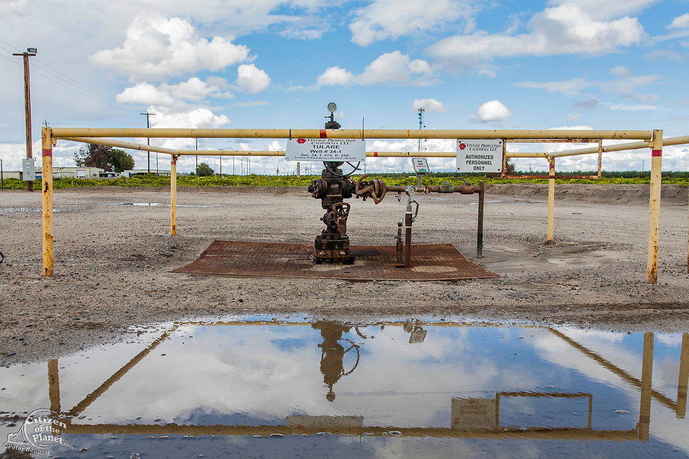 Deep injection well used for disposal of wasterwater. Kern County, located over the Monterey Shale, has seen a dramatic increase in oil drilling and hydraulic fracking in recent years. San Joaquin Valley, California, USA