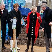 NLD/Almere/20150318 - Nationale Boomplantdag 2015, Prinses Laurentien, voorzitter Onno Hoes en Annemarie Jorritsma
