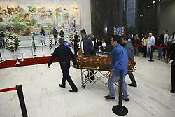 December 3, 2016 - Os corpos dos jornalista da FOX Sports, Lilácio Pereira Junior e Devair Paschoalan que morreram no acidente com o avião que transportava o time da Chapecoense, chegam para o velório na Assembleia Legislativa do Estado de São Paulo neste sábado  (Credit Image: © Aloisio Mauricio/Fotoarena via ZUMA Press)