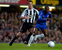 Photo: Alan Crowhurst.<br />Chelsea v Newcastle United. The FA Cup. 22/03/2006. Chelsea's Geremi (R) with Scott Parker.