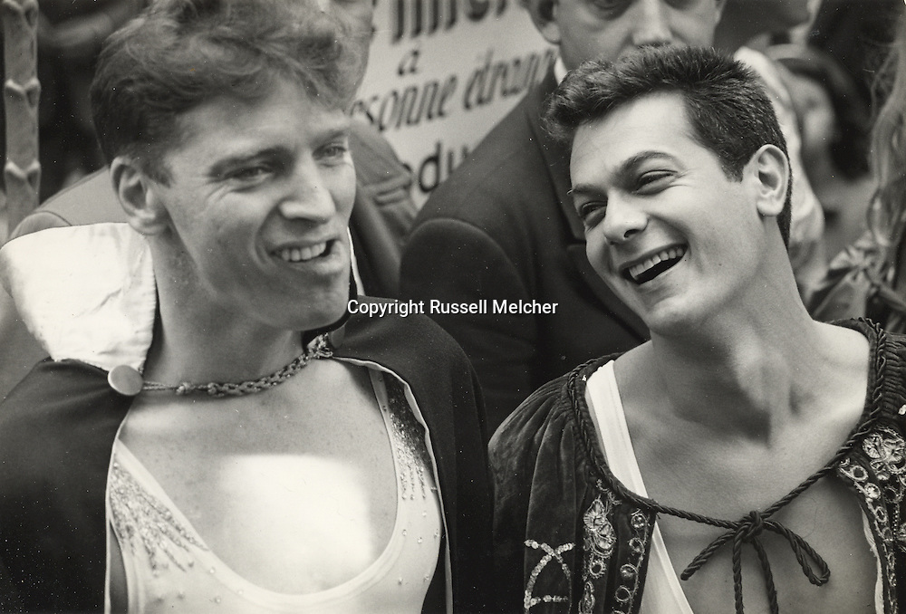 Paris 1955.Burt Lancaster and Tony Curtis during shooting of TRAPEZE  in Le Cirque d'Hiver.<br /> <br /> <br /> Paris 1955. Burt Lancaster et Tony Curtis pendant le tournage du film TRAPEZE  au Cirque d'Hiver .