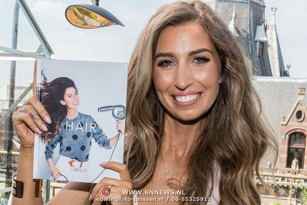 NLD/Amsterdam/20170522 - Boekpresentatie Hair By Xelly, Xelly Cabau van Kasbergen met haar nieuwe boek