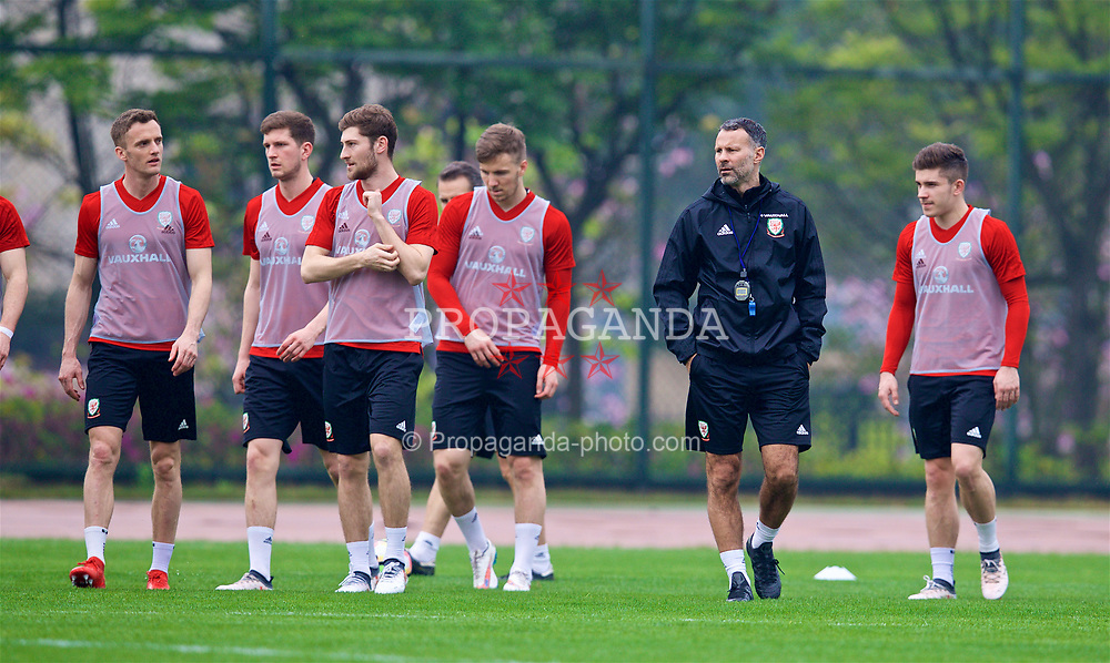 NANNING, CHINA - Saturday, March 24, 2018: Wales' new manager Ryan Giggs during a training session at the Guangxi Sports Centre ahead of the 2018 Gree China Cup International Football Championship final match against Uruguay. Andy King, Chris Mepham, Ben Davies, Lee Evans, Declan John. (Pic by David Rawcliffe/Propaganda)