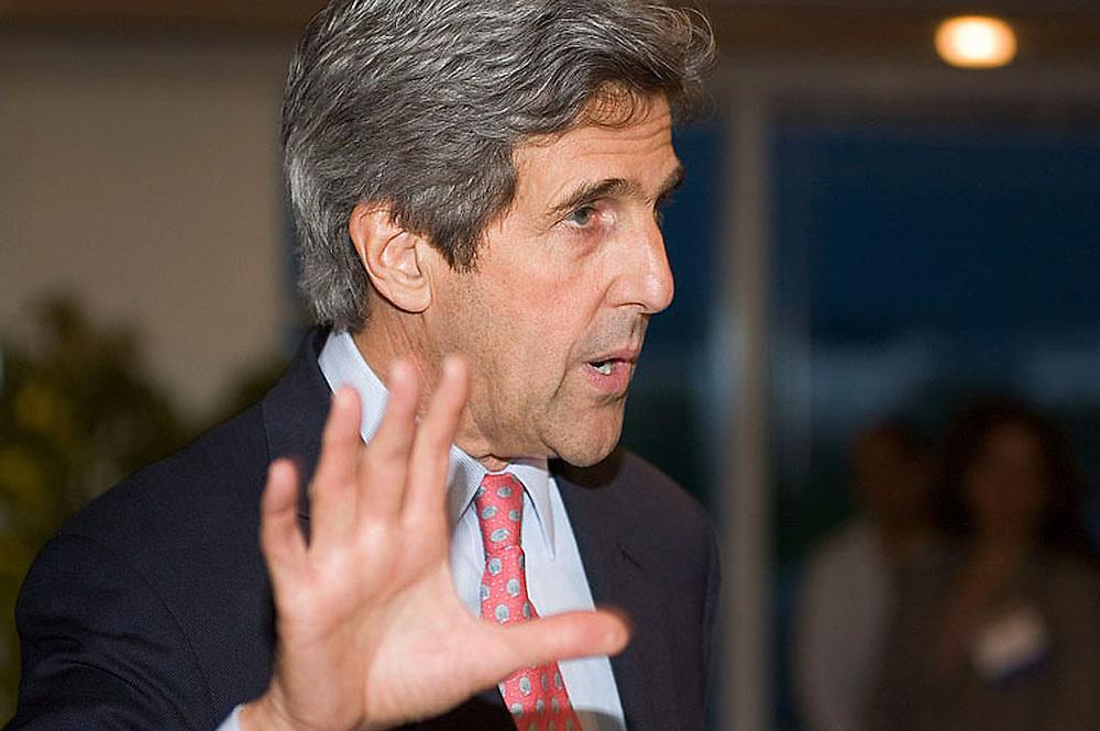 Sen. John Kerry at the USHCC Legislative Affairs meetings, April 2, 2006.