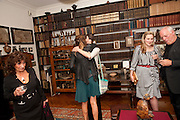 LISA APPIGNANESE; JEMIMA KHAN; BELLA FREUD; SUSY BOYT; DAVID GILMOUR, , Freud Museum dinner, Maresfield Gardens. 16 June 2011. <br /> <br />  , -DO NOT ARCHIVE-© Copyright Photograph by Dafydd Jones. 248 Clapham Rd. London SW9 0PZ. Tel 0207 820 0771. www.dafjones.com.