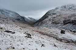 © Licensed to London News Pictures. 22/01/2019. Snowdonia, Gwynedd, Wales, UK.  Llanberis Pass gets a good dusting of snow as snow showers continue in Snowdonia National Park, Gwynedd, UK. credit: Graham M. Lawrence/LNP