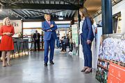 HILVARENBEEK, 2-9-2020 Schijvens corporate fashion<br /> <br /> Koning Willem Alexander met staatssecretaris Stientje van Veldhoven van Infrastructuur en Waterstaat tijdens een werkbezoek aan Schijvens corporate fashion in Hilvarenbeek. Beide bezoeken stonden in het teken van het thema circulaire economie.<br /> <br /> King Willem Alexander with State Secretary Van Veldhoven of Infrastructure and Water Management during a working visit to Schijven's corporate fashion in Hilvarenbeek. Both visits focused on the theme of circular economy.