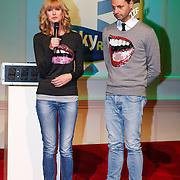 NLD/Hilversum/20121207 - Skyradio Christmas Tree, Daphne Deckers en Fred van Leer