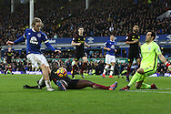 Tom Davies of Everton shoots and scores his teams 3rd goal. Premier league match, Everton v Manchester City at Goodison Park in Liverpool, Merseyside on Sunday 15th January 2017.<br /> pic by Chris Stading, Andrew Orchard sports photography.