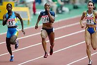 Friidrett, 23. august 2003, VM Paris,( World Championschip in Athletics),  Savatheda Fynes (65), Kelli White (1174) og Kim Gevaert