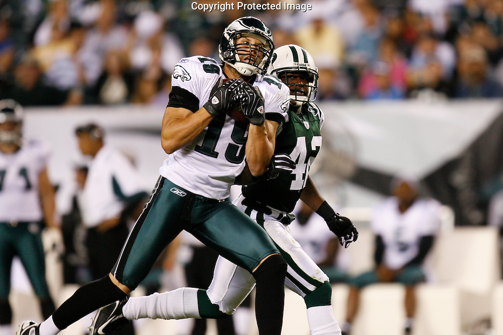 28 August 2008: Philadelphia Eagles wide receiver Michael Gasperson #19 pulls in a pass during the game against the New York Jets on August 28, 2008. The Jets beat the Eagles 27 to 20 at Lincoln Financial Field in Phialdelphia, Pennsylvania.