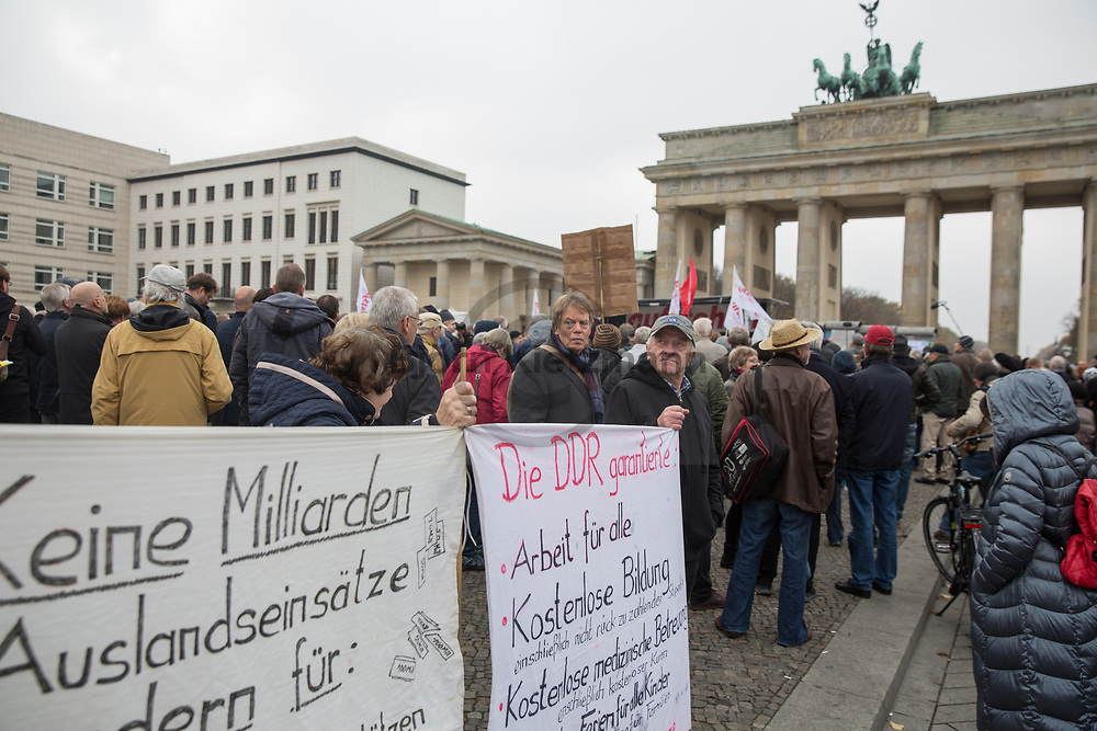 "Berlin, Germany - 09.11.2018<br /> <br /> Demonstration of the initiative ""Aufstehen"" with the Left Party politician Sahra Wagenknecht on the Pariser Platz in Berlin.<br /> <br /> Kundgebung der Initiative ""Aufstehen"" u.a. mit der Linkspartei-Poltikerin Sahra Wagenknecht auf dem Pariser Platz in Berlin.<br /> <br /> Photo: Bjoern Kietzmann"