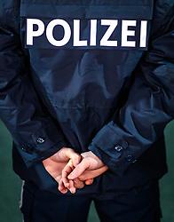 THEMENBILD - der Schriftzug Polizei am Rücken eines Polizisten, aufgenommen am 23. Feber 2017 in Innsbruck, Österreich // the lettering police on the back of a policeman, Innsbruck, Austria on 2017/02/23. EXPA Pictures © 2017, PhotoCredit: EXPA/ JFK
