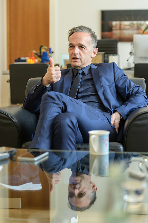 24 JUL 2020, BERLIN/GERMANY:<br /> Heiko Maas, SPD, Bundesaussenminister, waehrend einem Interview, in seinem Buero, Auswaertiges Amt<br /> IMAGE: 20200724-01-034<br /> KEYWORDS: Buero