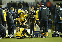 Photo: Aidan Ellis.<br /> Leeds United v Wigan Athletic. The FA Cup. 17/01/2006.<br /> Wigan boss Paul jewell chats to his team as they go into Extra Time