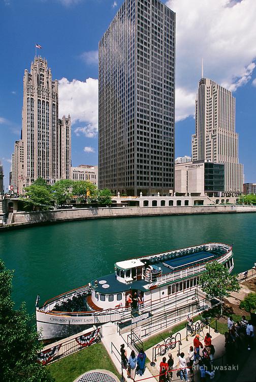 """Chicago's First Lady"" skyline cruise ship awaits tourists on Chicago River near Michigan Avenue bridge, Chicago, Illinois"
