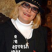 NLD/Amsterdam/20060402 - Modeshow Chick on a Mission Winter 2006, Vivianne Boelen