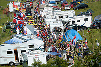 Sykkel<br /> Foto: PhotoNews/Digitalsport<br /> NORWAY ONLY<br /> <br /> BELLEGARDE-SUR-VALSERINE - JULY 11: the peleton is ascending the Col du Grand Colombier in the French Alps during 10th stage of the Tour de France from Macon to Bellegarde-sur-Valserine (194,5 kms) on July 11, 2012 in Bellegarde-sur-Valserine, France<br /> Tilskuere fra Norge
