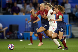 June 27, 2019 - Le Havre, France - Ellen White (Birmingham City WFC) of England and Maria Thorisdottir (Chelsea FCW) and Maren Mjelde (Chelsea FCW) of Norway battle for the ball during the 2019 FIFA Women's World Cup France Quarter Final match between Norway and England at  on June 27, 2019 in Le Havre, France. (Credit Image: © Jose Breton/NurPhoto via ZUMA Press)