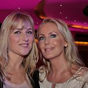 NLD/Hilversum/20110130 - Nationaal Songfestival 2011, Danielle Mulder en Mandy Huydts