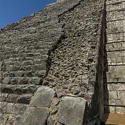 North America, Latin America, Latin, Caribbean, tropical, Mexico, Yucatan, Chichen Itza, Xchen Itza, Maya, Mayan, UNESCO World Heritage Site, <br /> Ancient step pyramid Kukulkan at Chichen Itza Mexico.