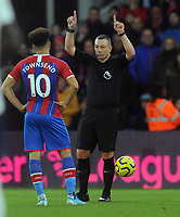 Football - 2019 / 2020 Premier League - Crystal Palace vs. Liverpool<br /> <br /> Referee Kevin Friend disallows Crystal Palace's goal after the VAR decision, at Selhurst Park.<br /> <br /> COLORSPORT/ANDREW COWIE