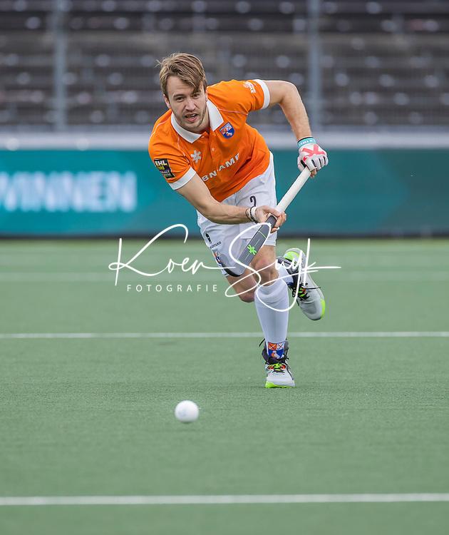AMSTELVEEN -  Daan Dullemeijer (Bldaal) tijdens de halve finale wedstrijd mannen EURO HOCKEY LEAGUE (EHL),  HC Bloemendaal- Royal Leopold Club (Bel)(1-1) Bloemendaal wint shoot outs en plaatst zich voor de finale.  COPYRIGHT  KOEN SUYK