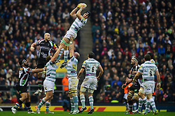 London Irish Flanker (#7) Jebb Sinclair wins a lineout during the first half of the match - Photo mandatory by-line: Rogan Thomson/JMP - Tel: Mobile: 07966 386802 29/12/2012 - SPORT - RUGBY - Twickenham Stadium - London. Harlequins v London Irish - Aviva Premiership - LV= Big Game 5.