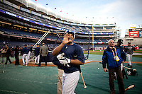 Yankees second baseman Robinson Canoduring batting practice prior to Game 2 of the 2009 World Series between the New York Yankees and The Philadelphia Phillies in Bronx, NY. (Photo by Robert Caplin)..