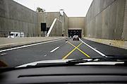 Nederland, Roermond, 22-4-2008..Ingand van de Roertunnel in de A73 die onder Roermond loopt. Vanwege de laatste werkzaamheden voor de veiligheidssystemen gaat de tunnel tot oktober dicht in de weekends. Ondernemers hebben via de rechter bezwaar gemaakt tegen deze lange periode omdat zij bang zijn veel klanten te missen , met name de designer outlet en het retail center. Veel vertraging ontstond al door aanvullende wetgeving over tunnelveiligheid die in de eindfase alsnog aangebracht moesten worden...Foto: Flip Franssen
