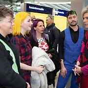 NLD/Utrecht/20200214 - Bn'ers zoeken echt contact met reizigers, Prinses Laurentien in gesprek met reizigers