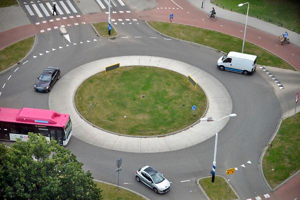 Nederland, Nijmegen, 30-9-2012Rotonde met veel wegmarkeringen.Foto: Flip Franssen/Hollandse Hoogte