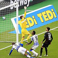 17.10.2020, OLympiastadion, Berlin, GER, DFL, 1.FBL, Hertha BSC VS. VfB Stuttgart, <br /> DFL  regulations prohibit any use of photographs as image sequences and/or quasi-video<br /> im Bild Jhon Cordoba (Hertha BSC Berlin #15), Niklas Stark (Hertha BSC Berlin #5),<br /> Gregor Kobel (VfB Stuttgart #1), Atakan Karazor (VfB Stuttgart #16)<br /> <br />     <br /> Foto © nordphoto /  Engler