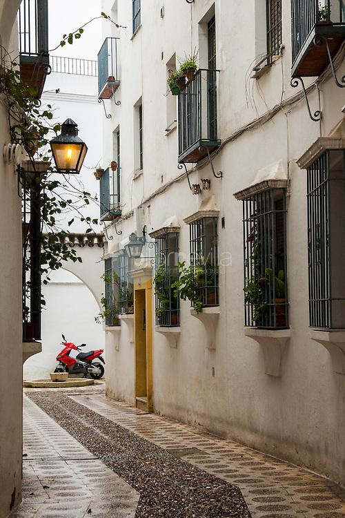 Callejón en Córdoba, Andalucía ©Country Sessions / PILAR REVILLA