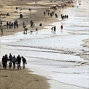 Nederland, Scheveningen, 28-10-2012 Wandelende mensen op het strand van de badplaats Scheveningen. Foto: Flip Franssen/Hollandse Hoogte