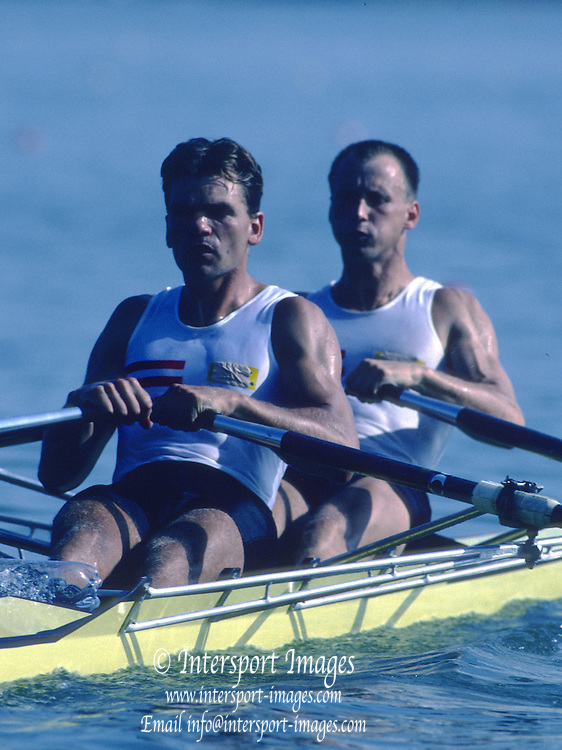 Banyoles, SPAIN, AUT M2X, Silver Medalist, Arnold JONKE , Christoph ZERBST competing in the 1992 Olympic Regatta, Lake Banyoles, Barcelona, SPAIN. 92 Gold Medalist.   [Mandatory Credit: Peter Spurrier: Intersport Images]
