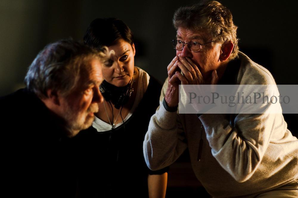IL VILLAGGIO DI CARTONE.<br /> BARI 25 OTTOBRE 2010<br /> <br /> Ermanno Olmi, Michael Lonsdale sul set attimi prima del ciak.<br /> <br /> Foto di KASH GTorsello