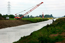 UK ENGLAND NORFOLK WELNEY 7AUG06 - Digging and canal clearance on the New Bedford River, also known as the Hundred Foot Drain on the Cambridgeshire and Norfolk border...jre/Photo by Jiri Rezac..© Jiri Rezac 2006..Contact: +44 (0) 7050 110 417.Mobile:  +44 (0) 7801 337 683.Office:  +44 (0) 20 8968 9635..Email:   jiri@jirirezac.com.Web:    www.jirirezac.com..© All images Jiri Rezac 2006 - All rights reserved.