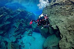 Silfra-Spalte, Tauchen in der Kontinentalspalte Silfra, tauchen zwischen den Kontinenten, thingvellir Nationalpark, Island, Silfra-Crack, Scuba diving in the continental fissure, crack Silfra, scuba diving between two continets thingvellir Nationalpark, Iceland, MR YES