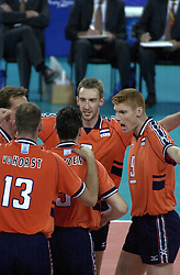 19-09-2000 AUS: Olympic Games Volleybal Nederland - Australie, Sydney<br /> Nederland wint vrij eenvoudig van Australie met 3-0 / Richard Schuil, Bas van de Goor