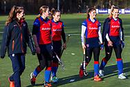 BILTHOVEN -  Hoofdklasse competitiewedstrijd dames, SCHC v hdm, seizoen 2020-2021.<br /> Foto: Team SCHC met voorsprong de rust in