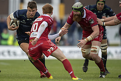 September 22, 2018 - Galway, Ireland - Tom Farrell of Connacht runs with the ball and Rhys Patchell (10) of Scarlets during the Guinness PRO14 match between Connacht Rugby and Scarlets at the Sportsground in Galway, Ireland on September 22, 2018  (Credit Image: © Andrew Surma/NurPhoto/ZUMA Press)