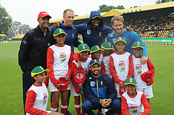 Johannesburg 14-10-18 South Africa v Zimbabwe T20I at Willowmore Park, Benoni. Robin Peterson, Rassie van Der Dussen, Lungi Ngidi, David Miller and JP Duminy with students from Bayview Primary in Helenvale, Port Elizabeth who won 'kids join the Proteas on tour' competition.<br /> Picture: Karen Sandison/African News Agency(ANA)