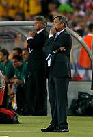 Photo: Glyn Thomas.<br />Croatia v Australia. Group F, FIFA World Cup 2006. 22/06/2006.<br /> Croatia's head coach Zlatko Kranjcar (R) with Australia's Guus Hiddink in the background.